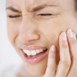 1371557667_women-with-a-toothache